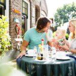 even wat eten op een terrasje in Drenthe
