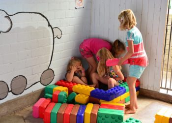 Binnenspeelruimte kindvriendelijke camping in Drenthe